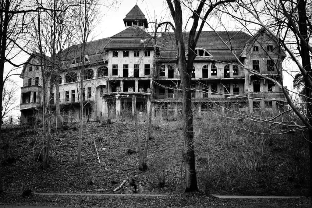 The Haunted House Das Geisterhaus (5360049608)